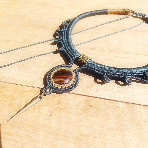 Choker necklace, tiger eye.