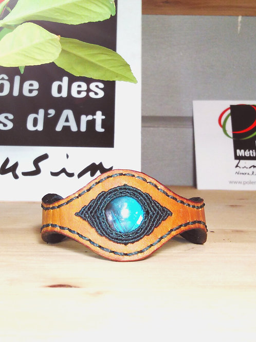 Women's leather bracelet. Labradorite.