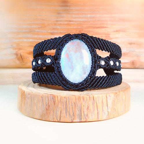 Macrame and moonstone bracelet (white labradorite)
