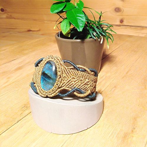 Macrame and labradorite bracelet