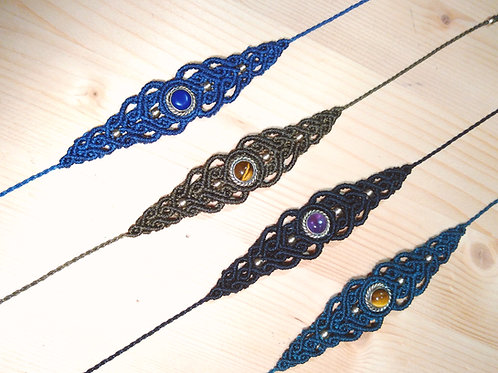 Bracelet fin et pierres fines