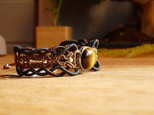 Silver crimping tiger eye macrame bracelet