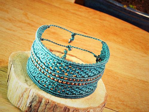 Bracelet manchette tissé macramé vert canard