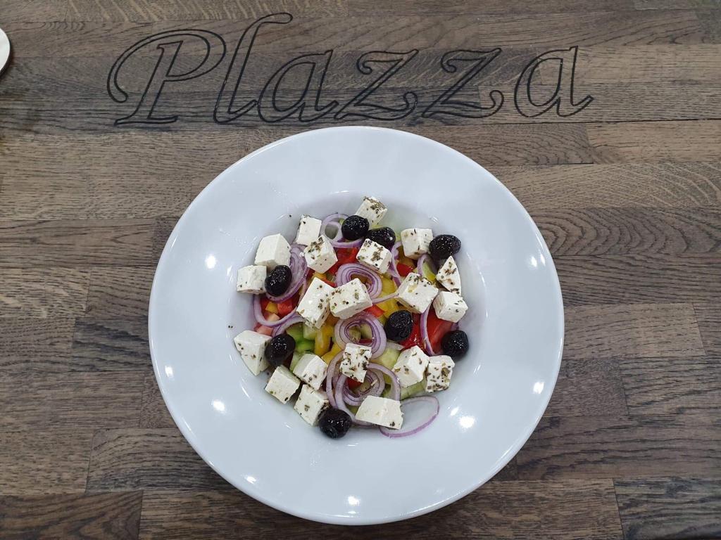 Гръцка салата Plazza restaurant