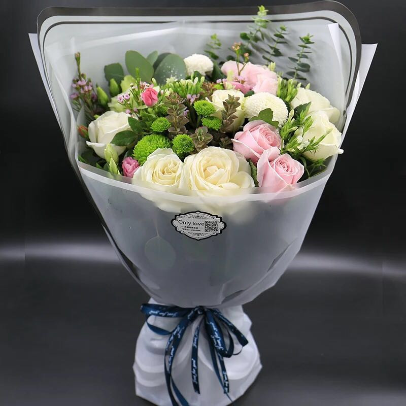 #bouquet #fresh #flowers #roses #pink #white #elegant #romance#gifts #birthday #best #celebration #freshflowers #hongkong #shop#玫瑰 #粉紅玫紅 #鮮花束 #大方包裝 #乒乓