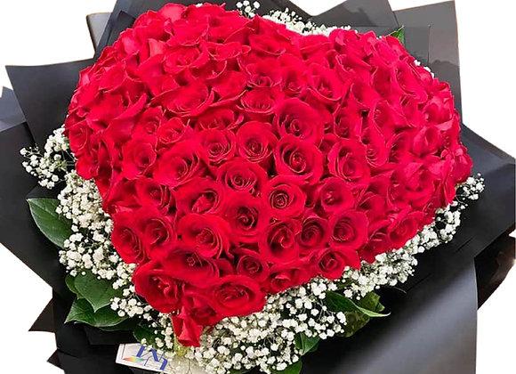 99朵紅玫瑰心形花束 Rose bouquet in heart shape