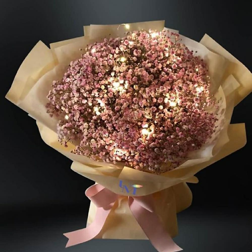 Romantic suprise with bouquets