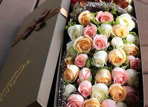 Mixed Roses in Box BIG 盒裝三色玫瑰 大盒