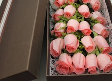 Roses in Box 盒裝玫瑰