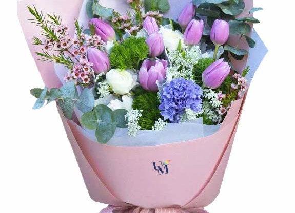 Tulips Bouquet Set