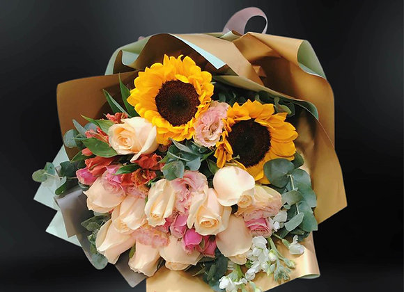 Sun flower bouquet with roses