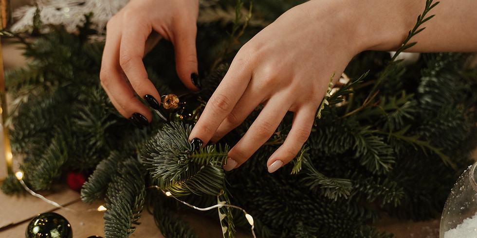 WORKSHOP: Christmas wreath making with mulled wine and mince pies