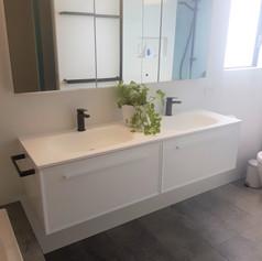Blackfords Bathroom
