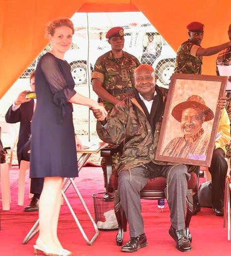 President Yoweri K. Museveni of Uganda and Fides Linien