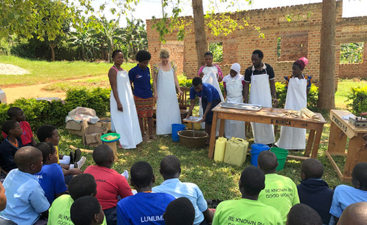 'Fancy Pads' Do-it-Yourself course in a school in Bukoto.