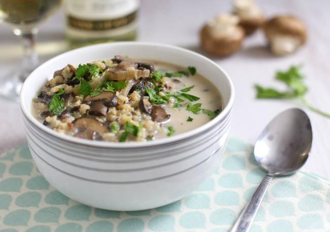 Sopa de Cogumelo com queijo e alho