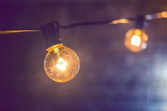 blur-bright-bulb-185699 (800x533).jpg