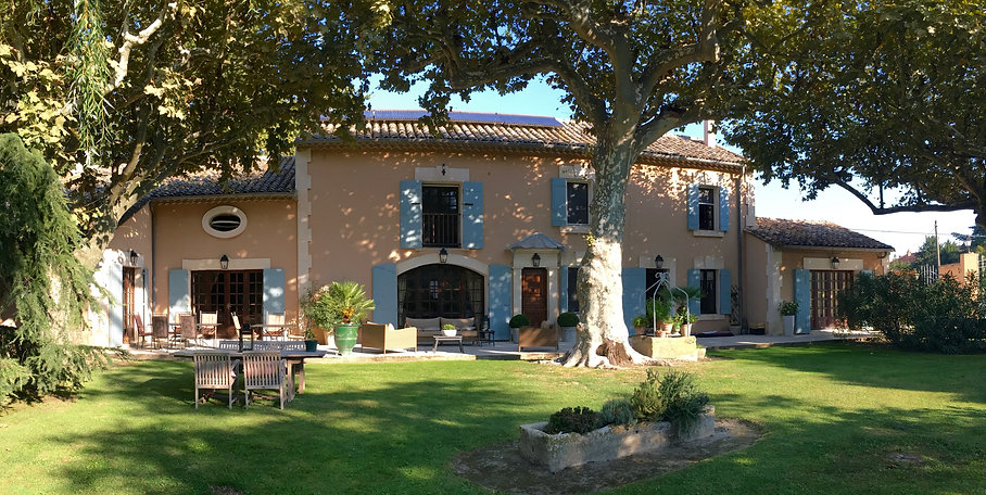 Luxury holiday house in Provence Villa Mas St Jean near Avignon and St Remy de Provence, also bed & breakfast
