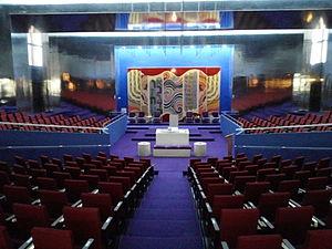 Interior_of_Main_Sanctuary_of_Anshei_Sphard_Beth_El_Emeth_Congregation (1)