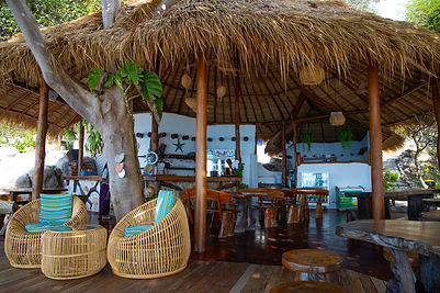 Beach bar and restaurant at Coral View resort in koh Tao