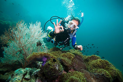 A young scuba diver trying out a PADI Discover Scuba dive
