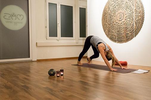 Hatha Sivananda traditionelles Yoga Zürich Oerlikon