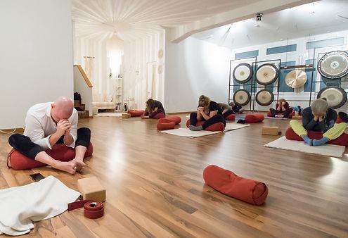 Hatha to Yin Yoga Zürich Oerlikon