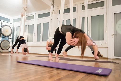 Teenie Yoga für Teenager und Jugendliche in Zürich Oerlikon