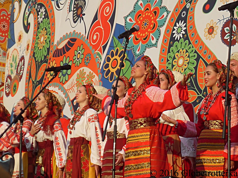 Festival Russkoye Pole, chanteuses folkloriques © 2017 Globetrotterka