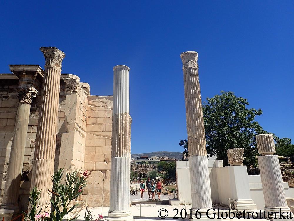 Agora romaine, entrée de la bibliothèque d'Hadrien. © 2016 Globetrotterka