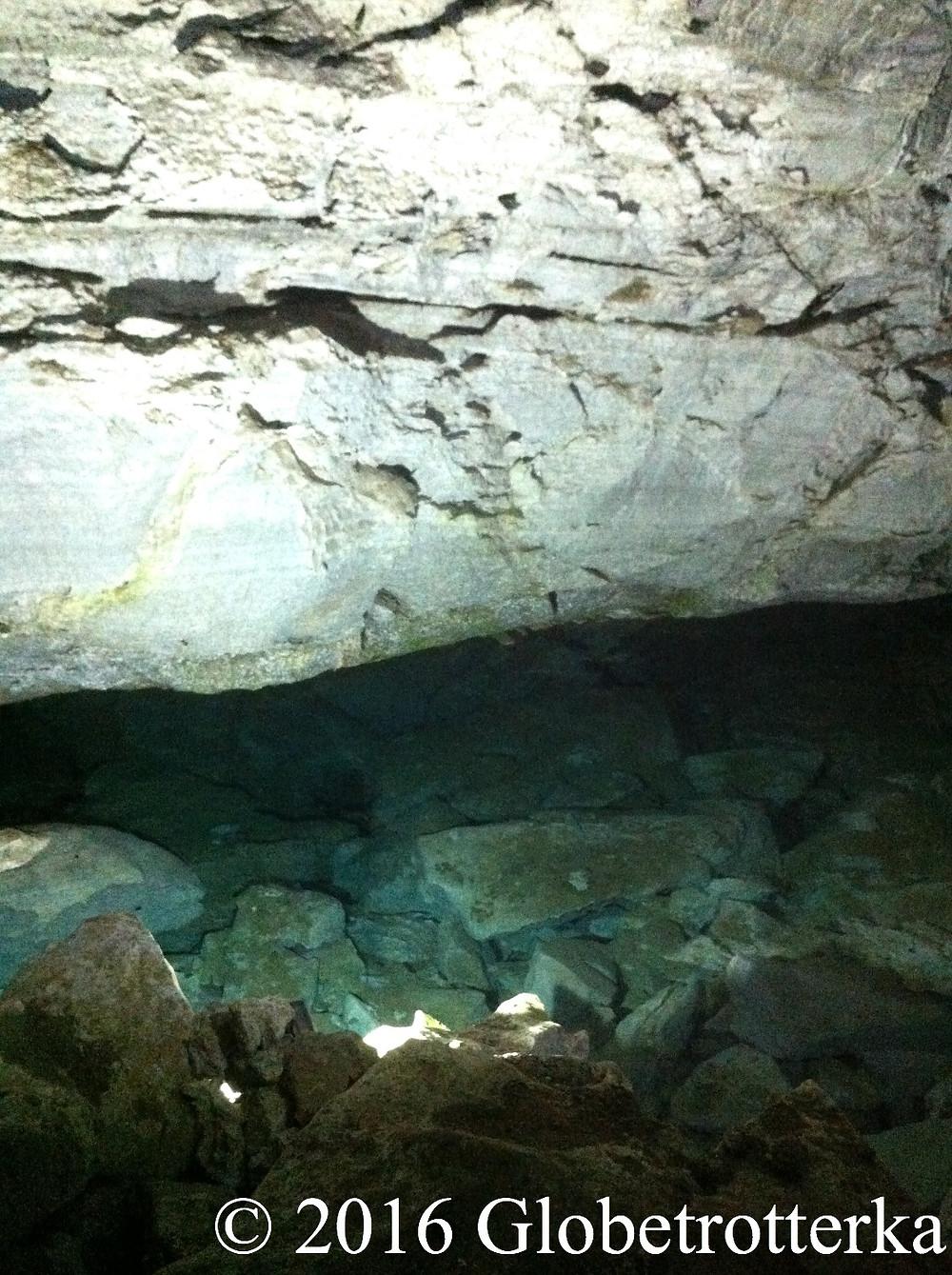 Un lac souterrain des grottes de Koungour. © 2016 Globetrotterka