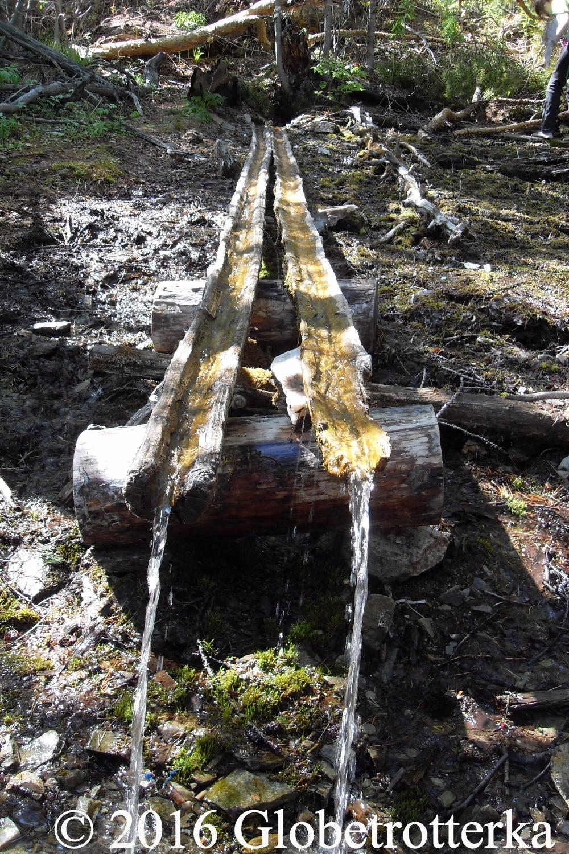 La source sacrée est le dernier arrêt de l'excursion de la source sacrée. © 2016 Globetrotterka