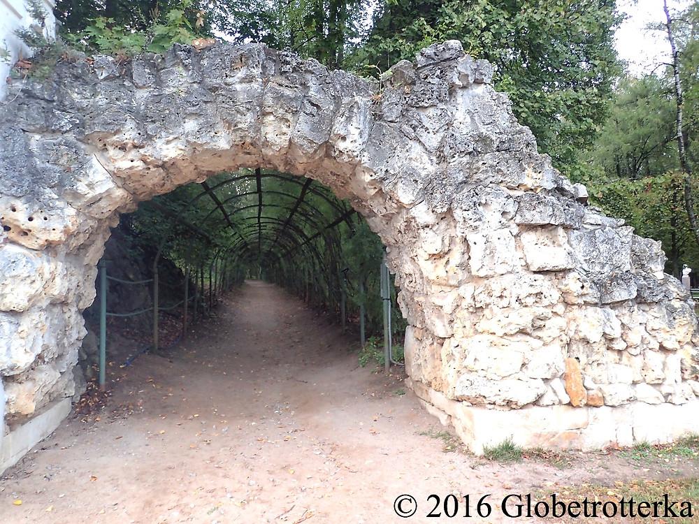 Tunnel longeant la haute terrasse