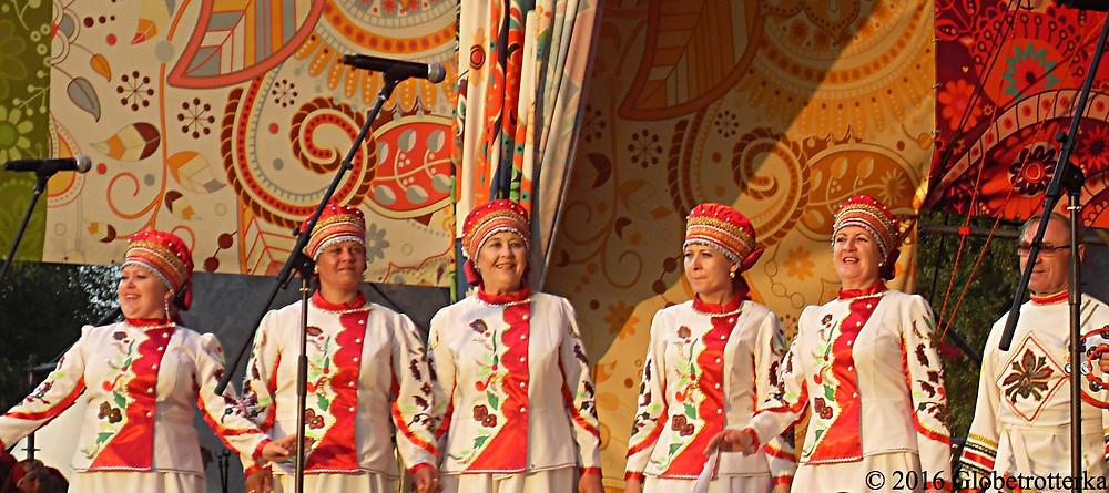 Chanteuses folkloriques, festival Russkoye Pole © 2017 Globetrotterka