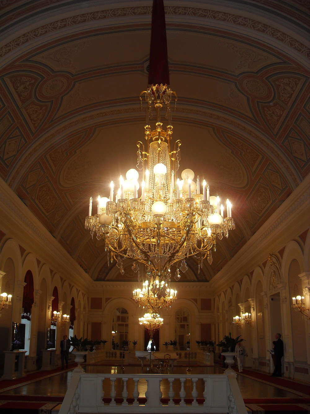 Un des halls du Bolshoi, après restauration, en juillet 2015. © 2016 Globetrotterka