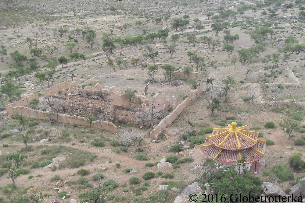 Ruines et temple dans le désert de Gobi © 2016 Globetrotterka