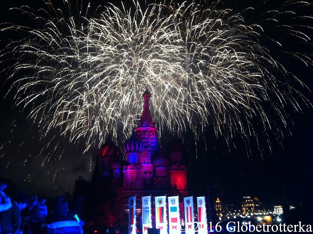 Cinquième festival Spasskaïa bachnia, août 2012, feu d'artifice marquant la fin du spectacle. © 2016 Globetrotterka
