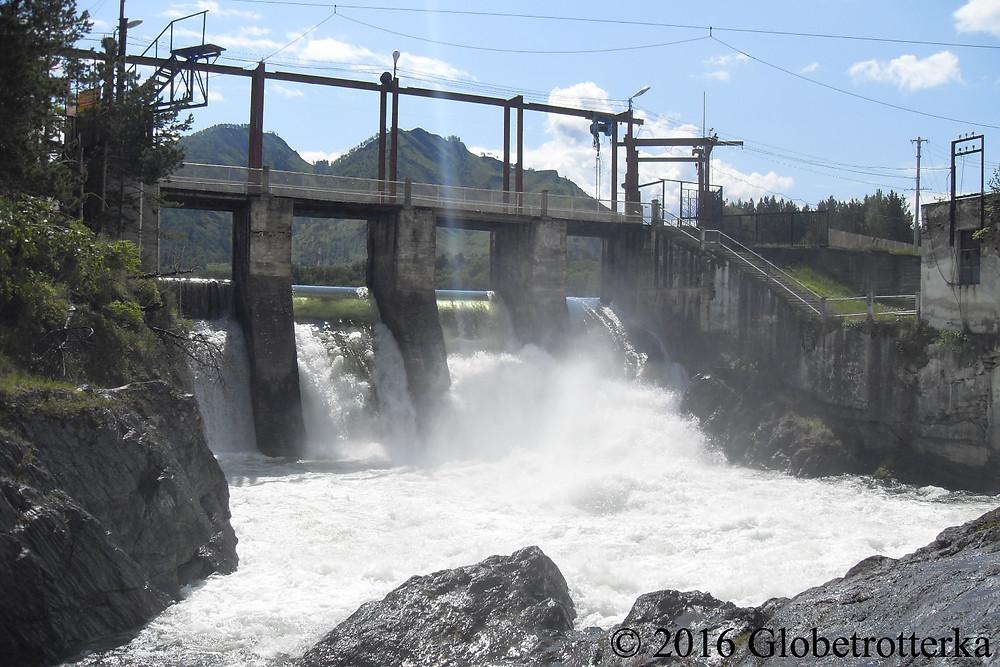 Centrale hydroélectrique de Tchemal © 2016 Globetrotterka