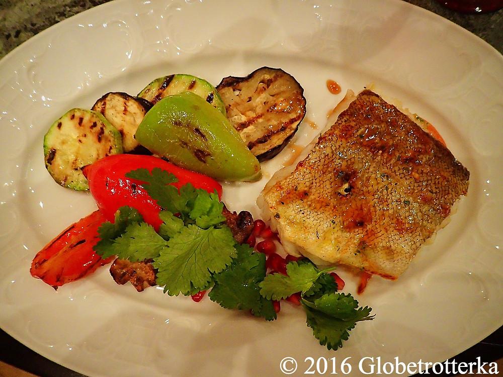 Pavé de cabillaud et légumes grillés. Grand Café Docteur Jivago  © 2016 Globetrotterka