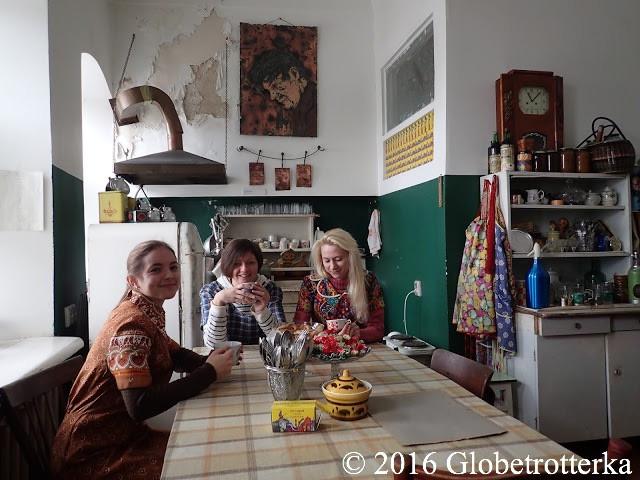 Cuisine type d'un appartement communautaire soviétique © 2016 Globetrotterka