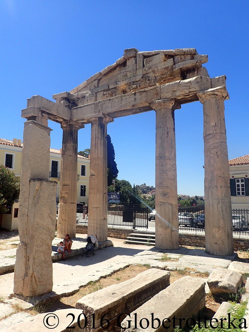 Agora romaine, entrée menant à la Tour des vents. © 2016 Globetrotterka