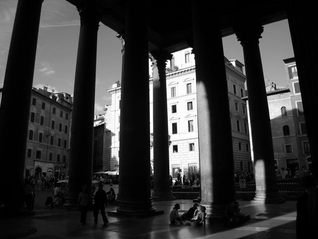 Pantheon+bw0001
