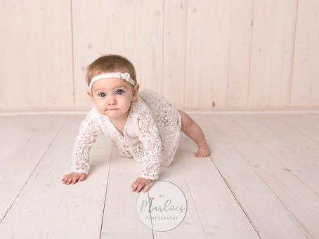 Babyshoot Elin 6 maanden