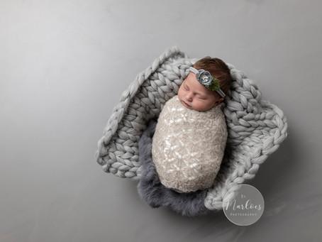 De preview van dit prachtige newborn meisje tijdens haar foto shoot.