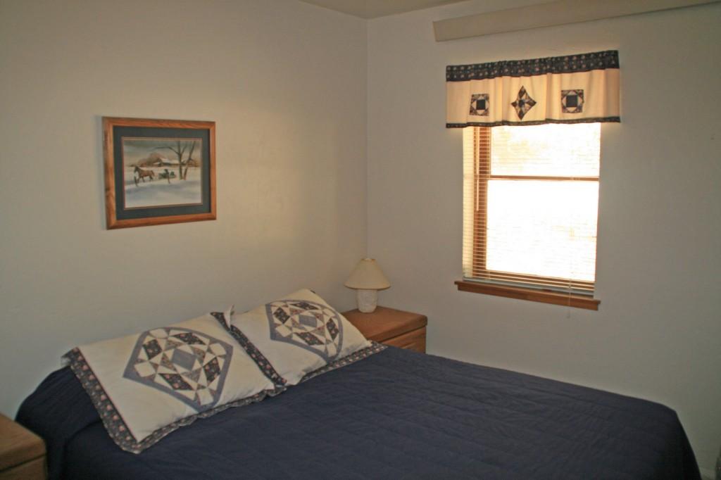 Pine 2 Bedroom