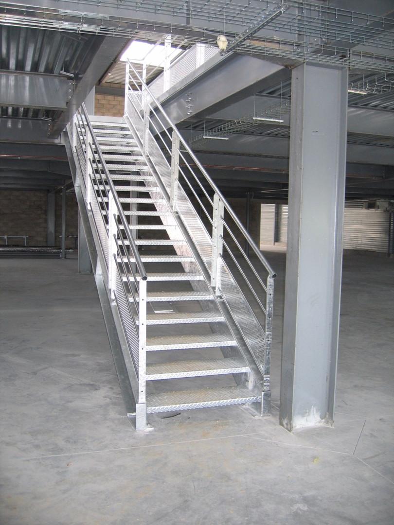 Escalier galvanisé à chaud