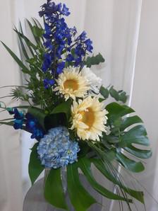 bouquet bleu et jaune pâle