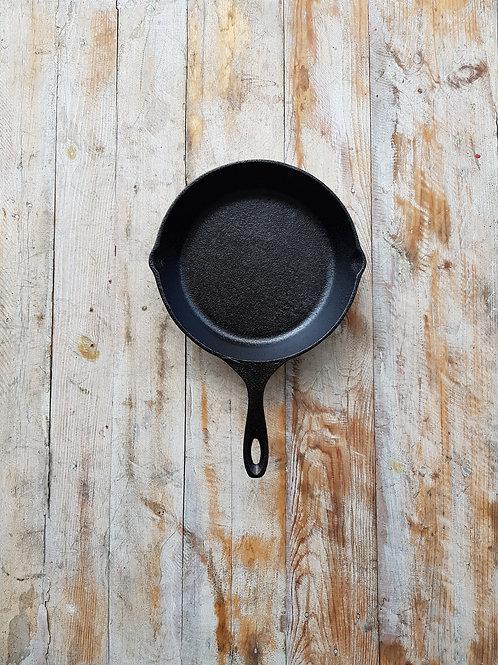 กระทะเหล็กหล่อ ขนาด 8 นิ้ว Pre-seasoned cast iron 8 inches