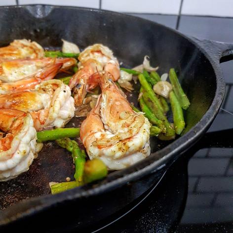 shrimp cast iron skillet