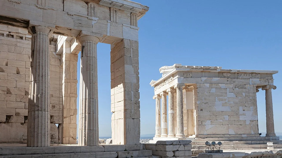 greece-4396367_1280_edited.jpg